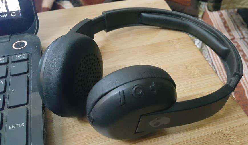 PS4:デュアルショックプラグヘッドセットにオーディオを送信