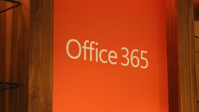 วิธีดูและรายงานคำแนะนำการบริการ Office 365 โดยใช้ศูนย์การจัดการ