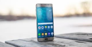 แก้ไขเส้นแนวตั้งหรือแนวนอนบนหน้าจอ Android