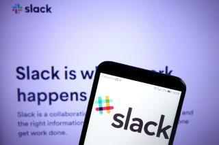 Como posso vincular o Slack ao Trello